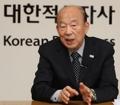 취임 100일 인터뷰하는 박경서 한적 회장