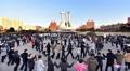 Los norcoreanos celebran el ensayo del misil