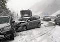 大雪で多重事故