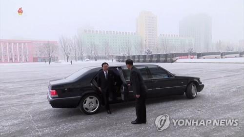 北 최룡해, 송도원식료공장 현장시찰