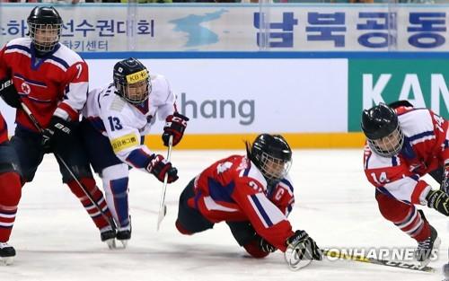 여자 아이스하키 단일팀 북한 감독, 갈등의 불씨 될까