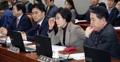 헌정특위, 개헌 위한 국민투표법 개정 시기 놓고 공방