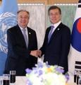 文大統領 国連事務総長と会談