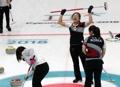 銀メダル以上確定 日本に競り勝つ