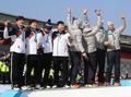 (الأولمبياد) كوريا الجنوبية تفوز بالميدالية الفضية في الزلاجة الرباعية للرجال