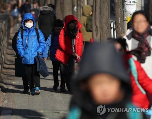 대관령 영하 3.5도 기온 '뚝'…봄 시샘 꽃샘추위 기승
