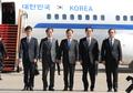 韓国特使団 北朝鮮に出発