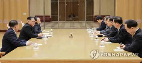 [남북정상회담 D-5] 김정은, 정상국가화 박차…'북한식 사회주의' 꿈꾼..