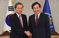 Avec un ancien PM japonais