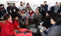 الرئيس مون يلتقي مع أسرة الفائز بالبرونزية في أولمبياد المعاقين