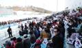 ملعب ممتلئ بعديد من المتفرجين في بيونغ تشانغ