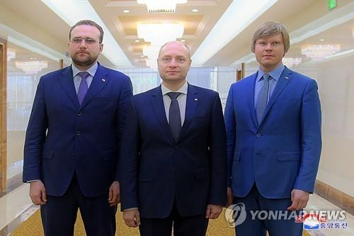 북-러, 경제협력위 의정서 조인…경제협력 방안 논의