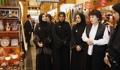 Première dame sur un marché d'Abou Dhabi