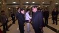 Kim Jong-un et Cho Yong-pil