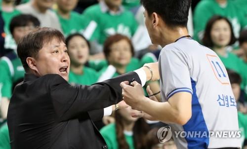 [프로농구 결산] ③ 엇박자 행정에 팬들은 외면…정규리그 최소 관중