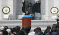 民主革命振り返り首相が演説