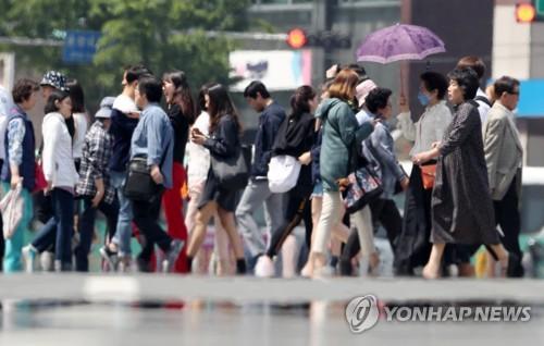 [날씨] 내일 한낮 '초여름' 더위…대구·강릉 낮 최고 30도