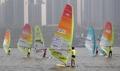 ウインドサーフィンで選挙PR