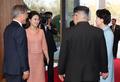 韩朝领导人伉俪首会