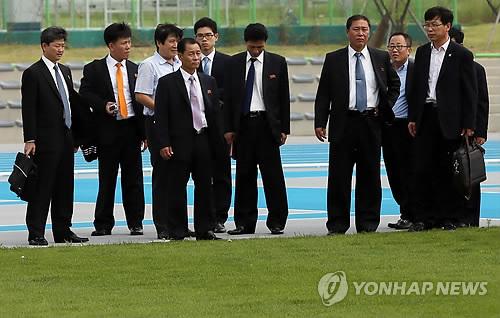 La dテゥlテゥgation nord-corテゥenne au principal stade des Jeux asiatiques d`Incheon