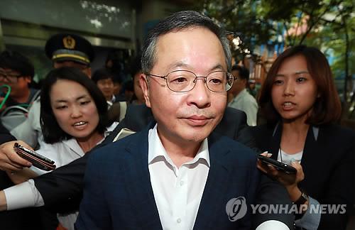 指名を辞退した安大熙氏=28日、ソウル(聯合ニュース)