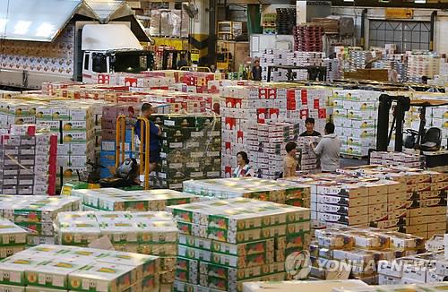 ソウルの果物卸売市場(資料写真)=(聯合ニュース)