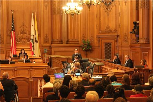 米サンフランシスコの市議会の全体会議のもよう=(聯合ニュース)