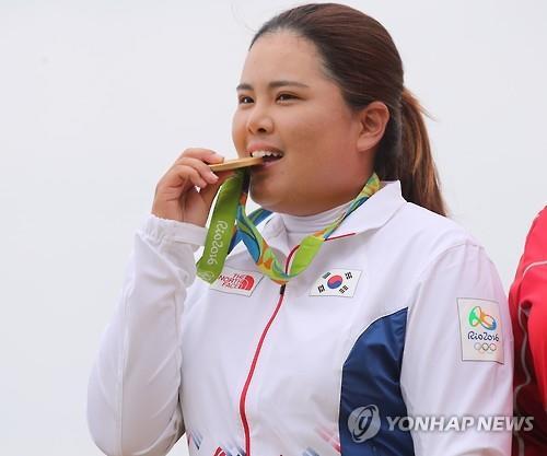 金メダルの喜びをかみしめる朴=20日、リオデジャネイロ(聯合ニュース)