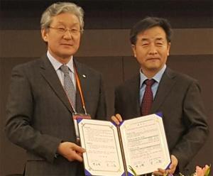 연합뉴스-월드옥타 '한민족 경제네트워크' 구축 힘 모은다