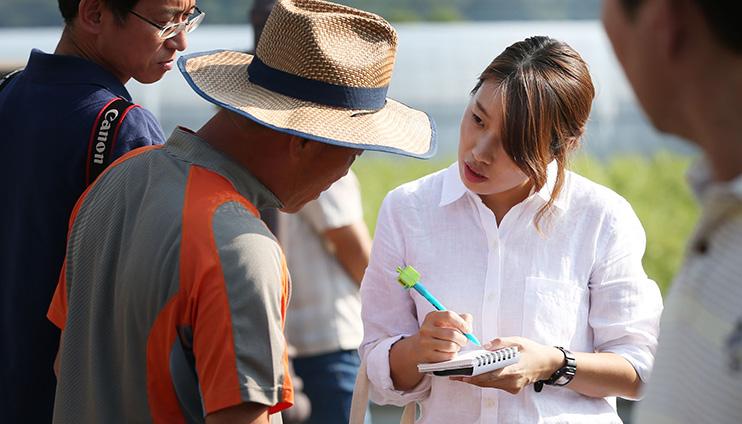 الصحفية كوان سوك-هي لمكتب إقليم كيونغكي الشمالي