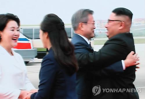 文大統領「共に新たな未来へ」 韓国首脳として初めて北朝鮮大衆に演説