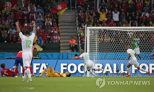 韓国 アルジェリアに2—4で敗れる=W杯