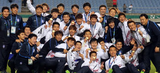 (آسياد) كوريا الجنوبية تهزم كوريا الشمالية في كرة القدم وتنال الذهب