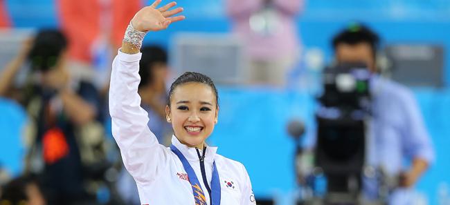(آسياد) سون يون جاي تمنح كوريا الجنوبية أول ذهبية في الجمباز الإيقاعي
