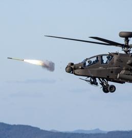 """阿帕奇直升机射""""毒刺"""""""