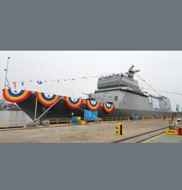 """韩首艘训练舰""""闲山岛""""舰下水"""