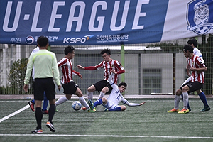 S. Korean college football divided over new academic requirements