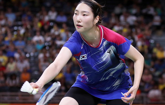 Badminton singles player unable to change mood of slumping team