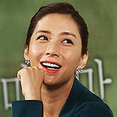 """송윤아 """"내가 과연 해낼수 있을까 두려움이 컸어요"""""""