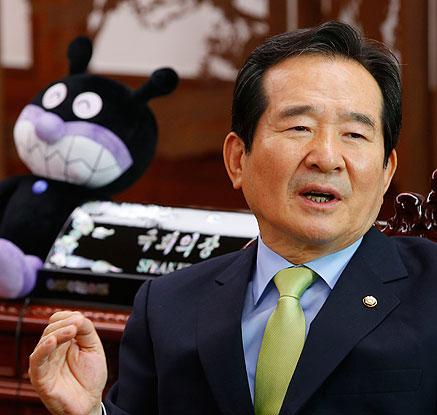 '세균맨'과 정세균 국회의장