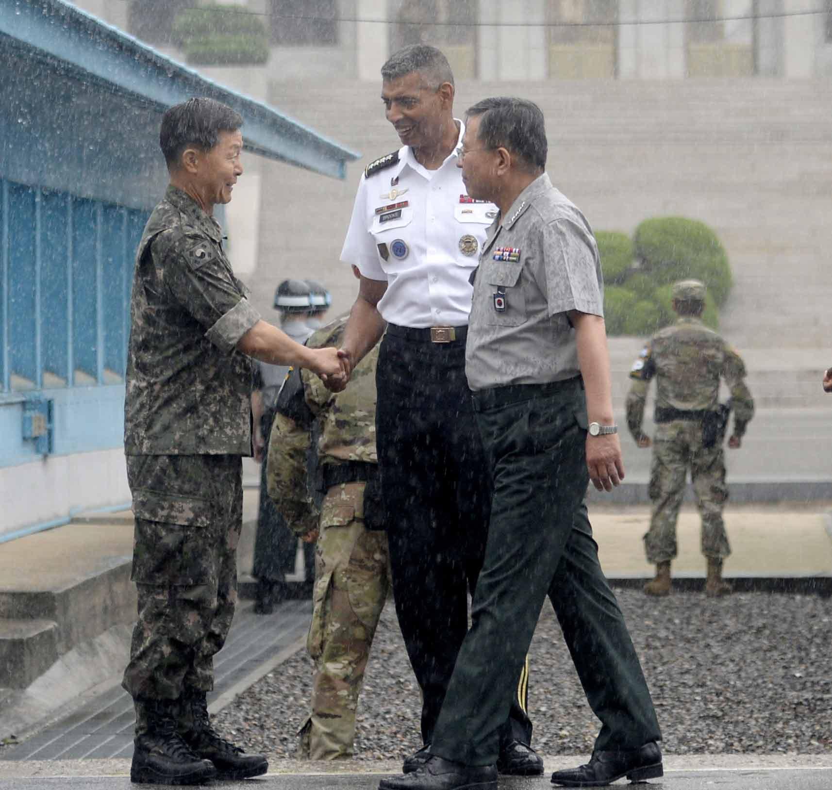 판문점 찾은 브룩스 유엔군 사령관