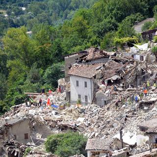 [포토무비] 이탈리아·미얀마 강진…지진 공포에 휩싸인 지구촌
