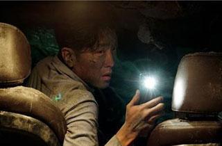 [박스오피스] 성수기 극장가 흥행 마무리는 '터널'이 한다