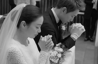"""김태희 """"서로 위하고 존경하며 열심히 살게요""""…손편지 인사"""