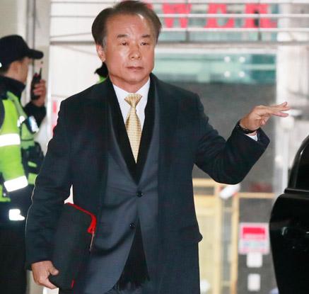 특검 찾은 김인식 코이카 이사장