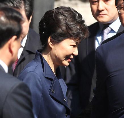 박 前대통령, 구속심문 받으러 삼성동 자택 출발