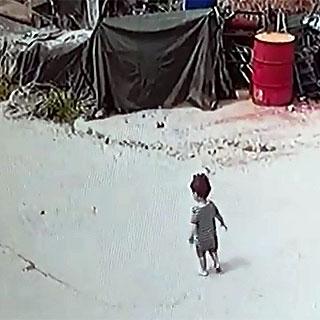 [현장영상] 3살 꼬마의 위풍당당 가출 소동