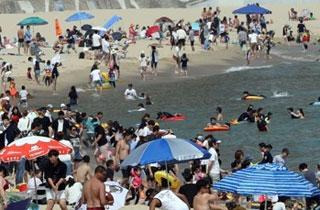 해변으로 가요…부산 7개 해수욕장 내달 1일 전면개장