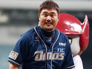 은퇴 앞둬도 뜨거운 이호준, 홈런으로 '굿바이 고척'