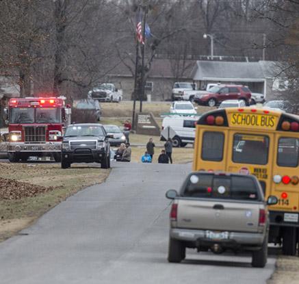 美 켄터키 고교서 총기난사…2명 사망·17∼19명 부상